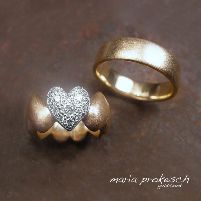 Hjertering m. hjerte i hvidguld og diamanter