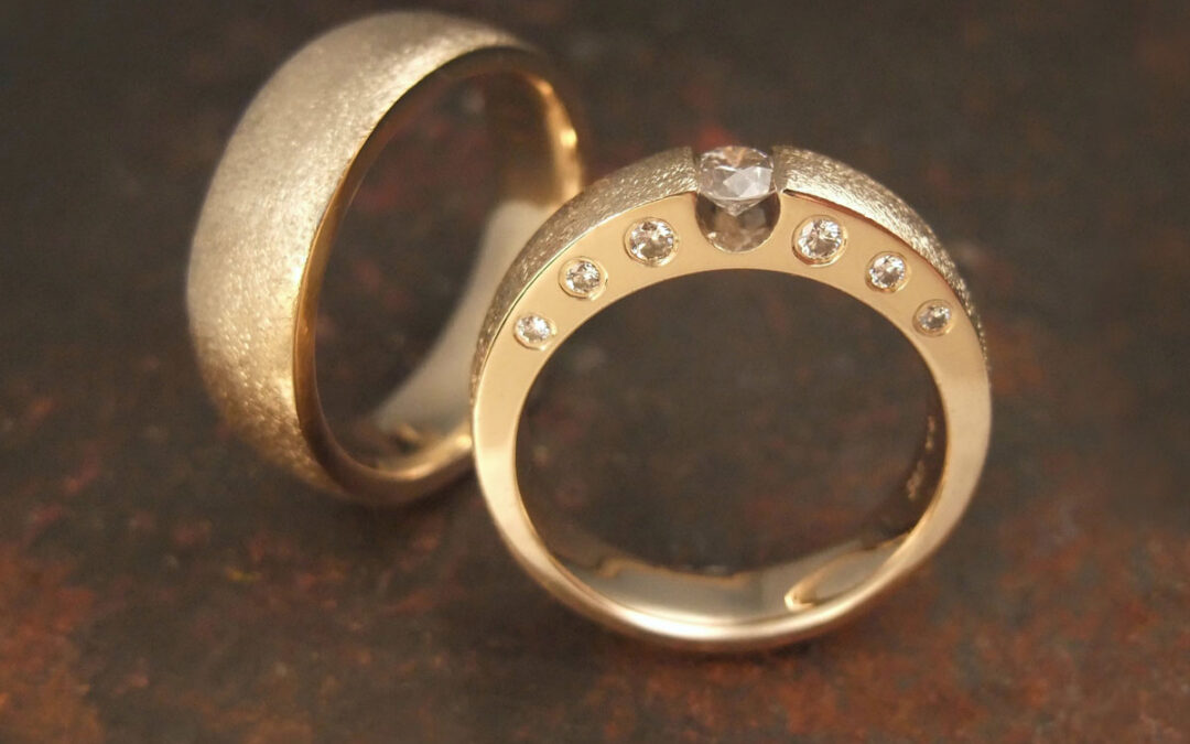 Klassisk design med svævende diamant