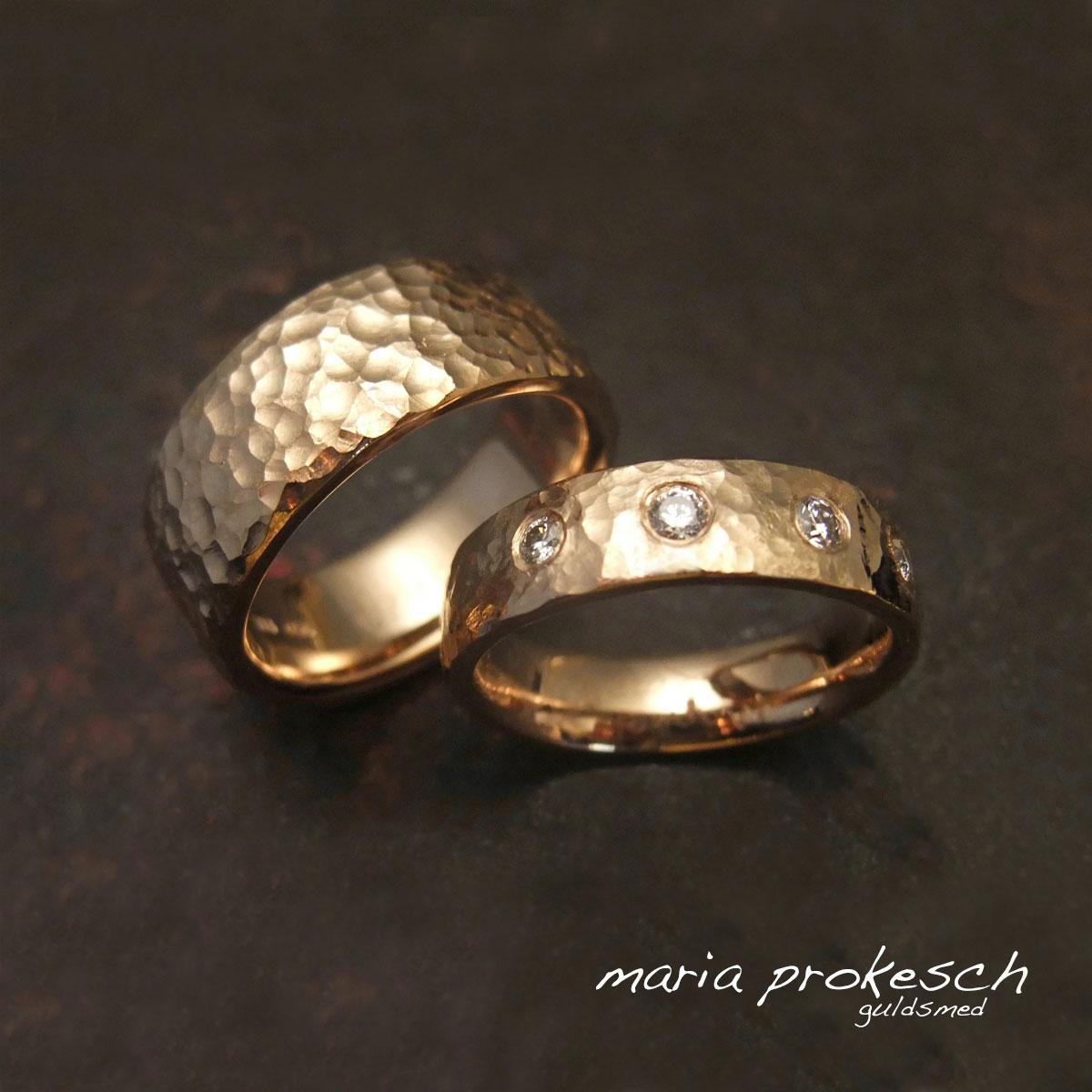 14 kt guldringe med sten, rustikke i råt design. Vælg til bryllup håndlavede vielsesringe med jeres design og personlighed