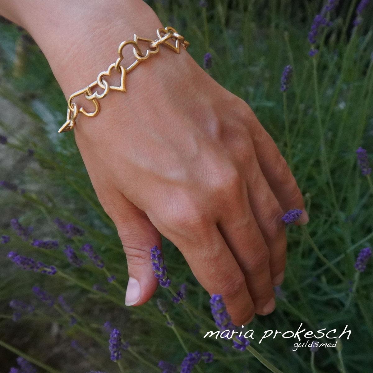 armlænke med guldhjerter, kraftig kvalitet lavet efter individuelle ønsker og design
