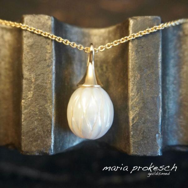 Perle med slebet mønster enkelt guldvedhæng